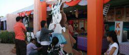 เพ้นท์วัวนมม.ลาดกระบัง ในงานกาชาด หนองใหญ่ ชุมพร  ๒๕๕๔