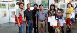 เด็กศิลป์บ้านรักศิลปะร่วมแสดงนิทรรศการเด็กไทยหัวใจศิลป์ 11 ภาพ ณ ห้างจังซีลอน ภูเก็ต จัดโดย สีซากุระ